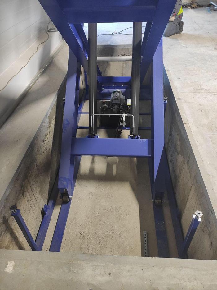 Подъемный стол с вертикальными ножницами EdmoLift TXD 4000