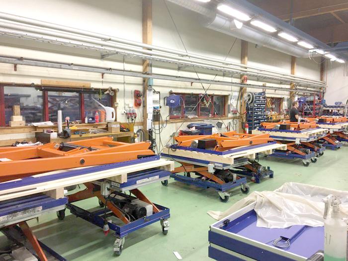 Сборка гидравлических подъемных столов с одинарными ножницами TS 2001B