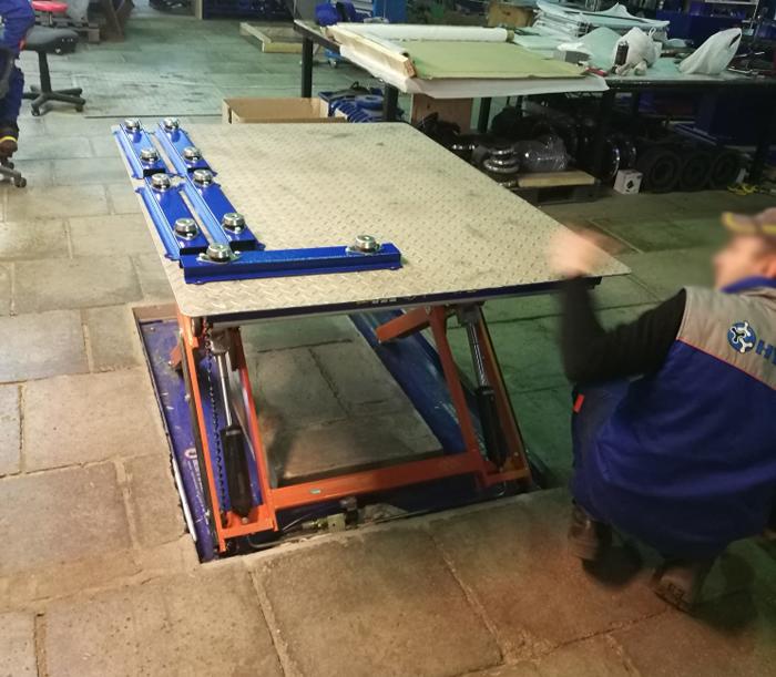 Низкопрофильный подъемный стол TUL 1000