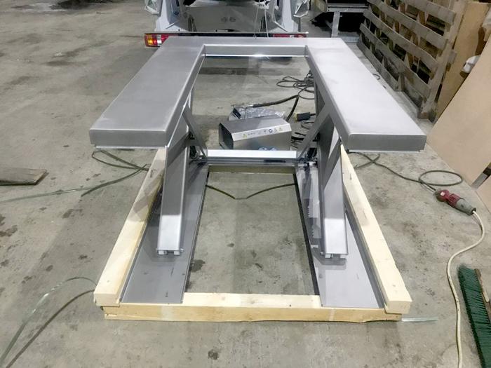 EdmoLift TUB 1000 низкопрофильный стол из нержавеющей стали